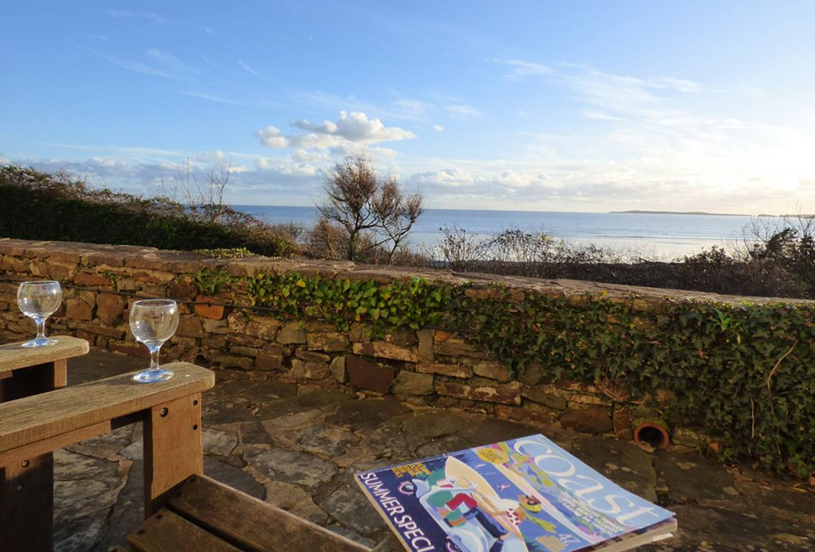 Black Hall Cottage - 4 Star Holiday Cottage - Amroth, Pembrokeshire, Wales