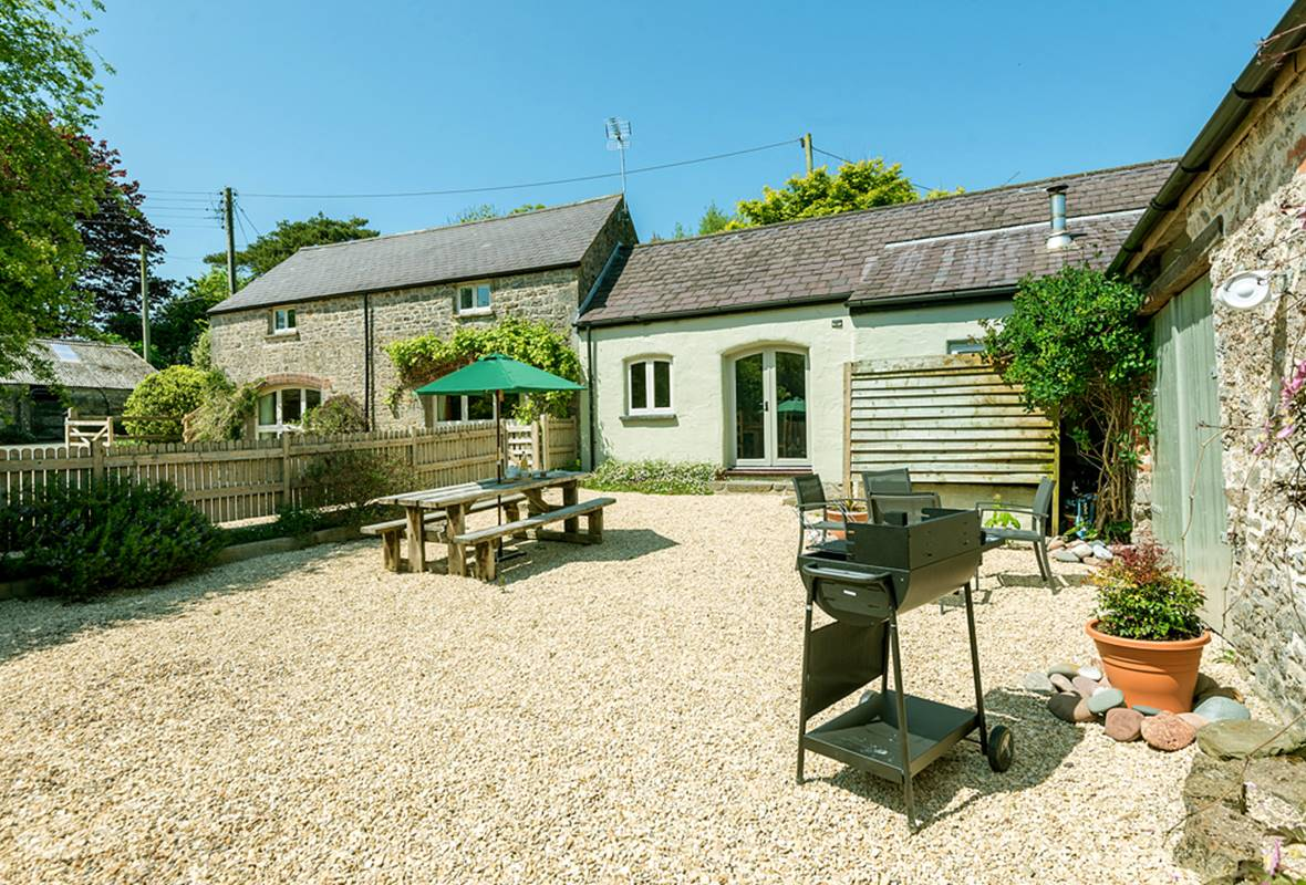Arch Barn - 4 Star Holiday Cottage - St Twynnells, Nr Bosherston | Stackpole, Pembrokeshire, Wales